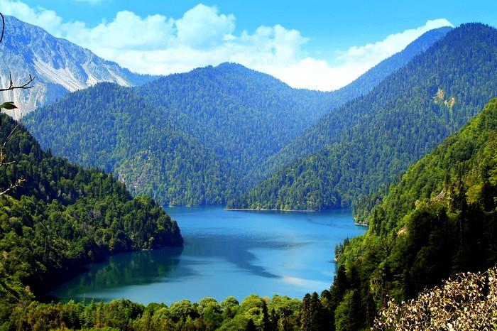 Туристы не хотят ехать в Абхазию